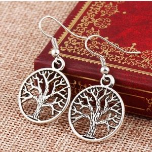 "Jewelry - ❌FINAL PRICE ❌Silver toned ""Tree of Life"" earrings"